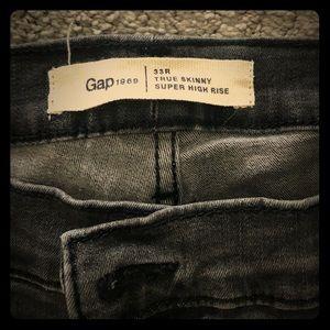 Gap 33R Super Skinny l, Dark Grey Wash.